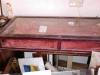 Antieke relikwieën kast,  Afm:117 cm br. 50 cm diep en 18 cm hoog.
